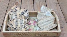 Cómo envejecer papel!  te doy 3 ideas de manualidades con papel envejecido - YouTube