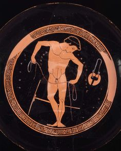 Attic kylix BC), attr to Onesimos, young athlete binding his hands for boxing; on the outside of the cup nude warriors battling - Boston Ancient Greek Sculpture, Ancient Greek Art, Ancient Greece, Ancient History, Greek Paintings, Greek Pottery, Roman Sculpture, Classical Art, Gay Art