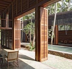 House facade balcony 18 ideas - All About Balcony Tropical Architecture, Architecture Details, Interior Architecture, Interior And Exterior, House In The Woods, My House, Door Design, House Design, Studio Mumbai