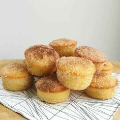 Bbq Desserts, Sweet Desserts, Sweet Recipes, Baking Recipes, Cake Recipes, Donna Hay Recipes Baking, Food Cakes, Cupcake Cakes, Strawberry Muffins