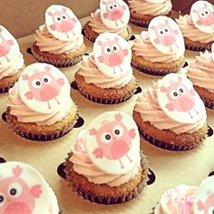 Cute owl cupcakes topped with CustomIcing.com.au Mini Cupcake size edible images.  LOVE!