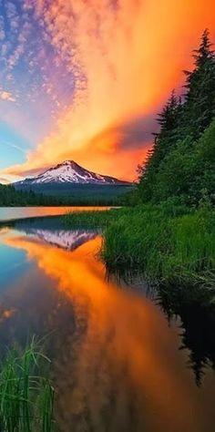 Sunset on Mt. Hood i share moments
