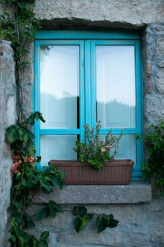 КОНЦЕПТУАЛЬНЫЙ БУТИК-ОТЕЛЬ ОТ ДВУХ АДВОКАТОВ В СЕРДЦЕ САРДИНИИ Antico Borgo Lu Puleu Выбор для романтического уикенда или расслабленной паузы. Windows, Italia, Ramen, Window