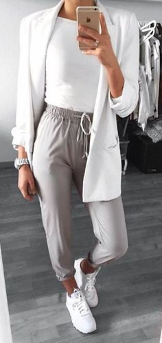 55 pretty and beautiful summer outfit trends, Dressy Outfits, Casual Summer Outfits, Mode Outfits, Fall Outfits, Fashion Outfits, Hourglass Figure Outfits, Hourglass Style, Hourglass Body, Jogger Pants Outfit