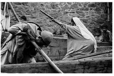 Kashmiri boat people by Brian Brake, 1957 Vintage Photographs, Vintage Photos, Kinds Of Reading, Look At This Photograph, Steve Mccurry, Srinagar, Famous Photographers, Color Photography, Book Publishing