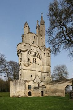 Aisne, Picardy, France - Septmonts Castle was built in the century by Jacques de Bazoches, Bishop of Soissons, as his summer residence. Late in the century the Bishops of Soissons ceased to reside here; it was abandoned and fell to ruin. Abandoned Castles, Abandoned Mansions, Abandoned Places, Castle Ruins, Medieval Castle, Beautiful Castles, Beautiful Buildings, Old Buildings, Abandoned Buildings