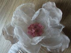 Flower headcomb By SHARON MORGAN #HatAcademy #millinery
