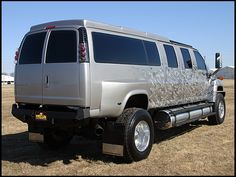 2007 Chevrolet Kodiak presented as Lot at Kansas City, MO Gmc Trucks, Big Rig Trucks, Cool Trucks, Chevrolet Van, Chevy Van, 4x4 Van, Kodiak Truck, Single Cab Trucks, Gmc Suv