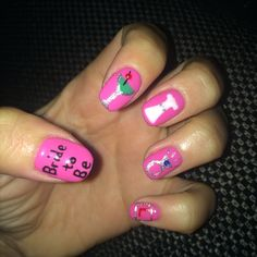 HEN DO NAILS