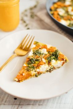 Add this sweet potato kale frittata to your weekly menu for a quick and easy healthy meal that can be whipped up in less than 35 minutes and served for breakfast, lunch or dinner. Sweet Potato Recipes Healthy, Sweet Potato Kale, Roasted Sweet Potatoes, Vegetarian Recipes, Lunch Recipes, Dinner Recipes, Kale Frittata, Family Meals, Food Inspiration