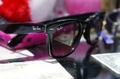 Ray Ban Wayfarer Ch-eap RayBan Wayfarer Sunglasses Out-let Sa-le From RB Glasses On-line. Ray Ban Wayfarer, Ray Ban Sunglasses Sale, Sunglasses Outlet, Wayfarer Sunglasses, Sunglasses Store, Summer Sunglasses, Sports Sunglasses, Sunglasses Online, Runway Fashion