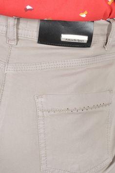 Pourpre pant slim swarovsky - Antonelle Réf :  17PS1960 Apportez une touche de casual/chic à votre tenue grâce à ce pantalon slim POURPRE façon jean 5 poches disponible dans une large gamme de coloris. On aime ses poches arrière agrémentées de petits strass swarovski. #Antonelleparis  #clothing #pantalon #beige  #lookoftheday #model #instadaily  #womenswear #instasell #closet  #ss17 #lookbook #tenuedujour