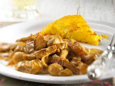 Das Rezept für original Zürcher Geschnetzeltes kommt nicht ohne Kalbsfleisch aus. Wir zeigen dir Schritt für Schritt wie du den Klassiker zubereitest.