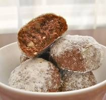 Chocolate Mexican Wedding Cookies