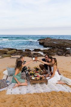 ''moët moments – among friends '' Picnic party in Spoon Bay, Central Coast - Australia // by Jessica Stein-tuulavintage Beach Dinner Parties, Picnic Dinner, Picnic Set, Beach Picnic, Summer Picnic, Picnic Time, Beach Party, Romantic Picnics, Coast Australia