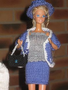 Ein Schneider z. Sewing Barbie Clothes, Barbie Clothes Patterns, Clothing Patterns, Doll Clothes, Crochet Barbie Patterns, Knitting Patterns, Habit Barbie, Couture, Schneider