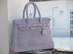 Grey crochet Birkin bag - handmade purse with the style of the most famous Hermes bag By Silayaya Crochet Handbags, Crochet Purses, Crochet Bags, Hermes Birkin, Book Purse, Kelly Bag, Handmade Purses, Craft Bags, Tricot