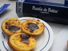 Hummmmm.... My favourite cakes in Portugal. Pasteis de Belem :D