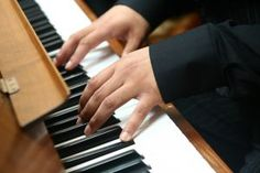 Top sites for learning piano online.
