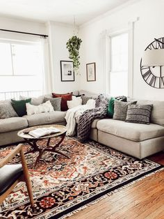 A mix of mid-century modern bohemian and industrial interior style. Home and apartment decor decoration ideas home design bedroom living room Cozy Eclectic Living Room, Boho Living Room, Apartment Living, Home And Living, Small Living, Living Room Oriental Rug, Gray Couch Living Room, Vintage Modern Living Room, Earth Tone Living Room Decor
