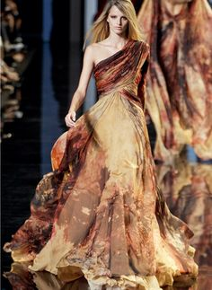 Elie Saab haute couture f/w 2010.  i would wear this to dust and vacuum.