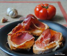Recette de pain à la tomate et au jambon serrano