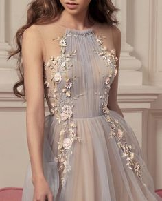 Find images and videos about fashion, style and dress on We Heart It - the app to get lost in what you love. Pretty Prom Dresses, Grad Dresses, Cute Dresses, Beautiful Dresses, Evening Dresses, Formal Dresses, Ball Gowns Evening, Ball Gowns Prom, Ball Gown Dresses