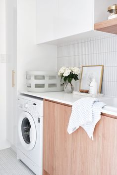 REAL-LIFE RENOVATIONS Adore magazine Editor Loni Parker revealed her flawlessly renovated laundry, featuring our Wellington and Brunswick tiles. We are loving the lightness and freshness of this room! Modern Laundry Rooms, Laundry In Bathroom, Laundry Closet, Small Laundry, Laundry Storage, Bathroom Renos, Bathroom Interior, Bathrooms, Laundry Room Inspiration