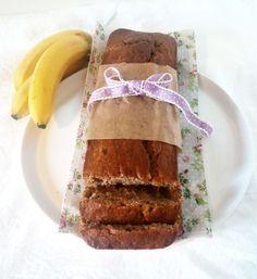 """""""Banana bread? To bude asi jenom nějaké suchá buchta co chutná po banánu…"""" Tak to jsem si až doposud myslela… Pánové, ani omylem! Je to jedna z nejlepších buchet jaké jsem k…"""