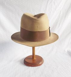 1930's Vintage Fedora Hat from Schuster Bros Louisville, Anderson, Muncie Size 7 22 Inches