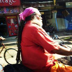 "@richardbeau's photo: ""#scooter #india #mumbai #street #dreads"""