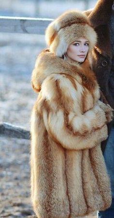 Olivia Holt in red fox fur coat and hat by Queens-Of-Fur on DeviantArt Fox Fur Coat, Shearling Coat, Fur Coat Fashion, Fabulous Fox, Animal Fur, Fur Clothing, Fur Wrap, Olivia Holt, Red Fox