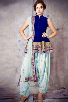 Lovely Blouse (though can be longer) Navy royal blue georgette short anarkali with borders, paired with a bordered net chunni and a gota strip periwinkle royal georgette patiala salwar Designer Kurtis, Designer Salwar Kameez, Latest Salwar Kameez Designs, Designer Dresses, Patiala Salwar, Anarkali Suits, Punjabi Salwar Suits, Shalwar Kameez, India Fashion