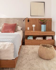 ikea bedroom ideas perfect for small spaces 00036 Ikea Bedroom, Bedroom Decor, Bath Decor, Piece A Vivre, Trendy Home, Minimalist Bedroom, Bed Design, Interiores Design, Cheap Home Decor
