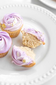 Earl Grey Cream Cheese Cupcakes with Edible Gold