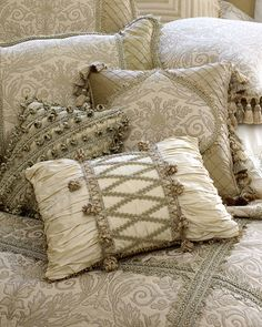 Cheap Pillows, Diy Pillows, How To Make Pillows, Lace Pillows, Cushions, Throw Pillows, Living Room Sofa Design, Master Bedroom Design, Victorian Lace