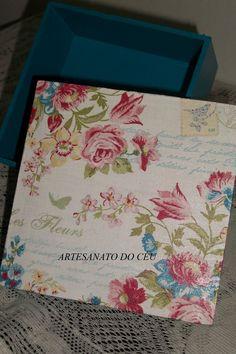 Caixa Rosinhas Azul - R$  15,00 Cod. PCX  018