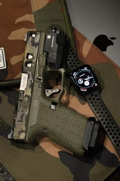 Check out these 25 sick modded glocks for ideas on your next set up! Glock Mods, Glock 9mm, Weapons Guns, Guns And Ammo, Armas Airsoft, Custom Guns, Glock 17 Custom, Gun Art, Shooting Guns