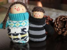 Cool project from http://www.kiwicrate.com/projects/Mitten-Dolls/816: Mitten Dolls