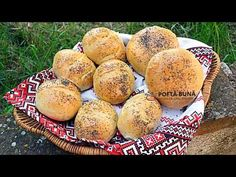 CHIFLE DE CASA (super pufoase, cu lapte) - YouTube Biscotti, Graham, Muffin, Bread, Breakfast, Food, Youtube, Morning Coffee, Brot