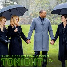 The series finale event begins tonight at Green Arow, Arrow Cw, Oliver And Felicity, Infinite Earths, Batwoman, Season 8, The Cw, Dc Universe, Raincoat