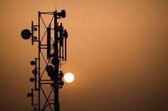 Hoy en #DECDLT decimos que SIN LIBERTAD PARA EMITIR POR TV Y RADIO…