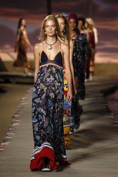 Tommy Hilfiger Spring 2016 Ready-to-Wear Fashion Show