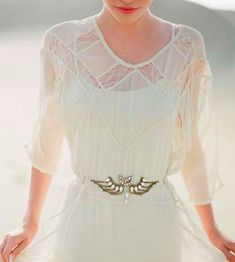 Google Image Result for http://paratinovia.com/wp-content/uploads/whimsical-wedding-dresses-4.png