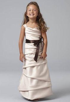 Vestido para damita largo en saten color praline y lazo chocolate.