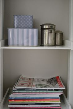 Boksefan Shelves, Living Room, Table, Furniture, Home Decor, Shelving, Homemade Home Decor, Decoration Home, Sitting Rooms