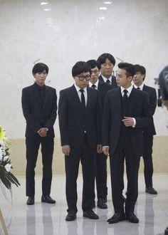 "''The Infinite Challenge – Muhan Sangsa"" is finally aired… With ""G-DRAGON's satisfactory acting"" Gd Bigbang, Bigbang G Dragon, Yg Groups, Yg Life, Infinity Challenge, Ji Yong, Kpop, Next Week, Black N Yellow"