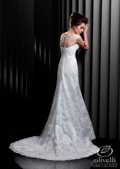 The Beautiful collection from the Enzoani range also offers stunning dresses in plus sizes.
