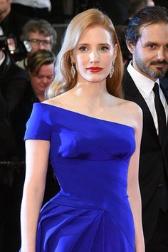 Jessica Chastain | Best Hair & Makeup from the Cannes Film Festival 2016, check it out at http://makeuptutorials.com/makeup-cannes-film-festival-2016/