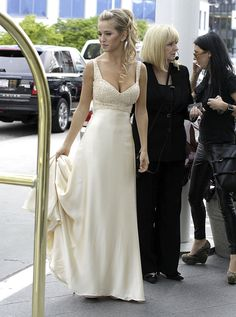 Love the dress style.  Michael Bublé and Luisana Lopilato